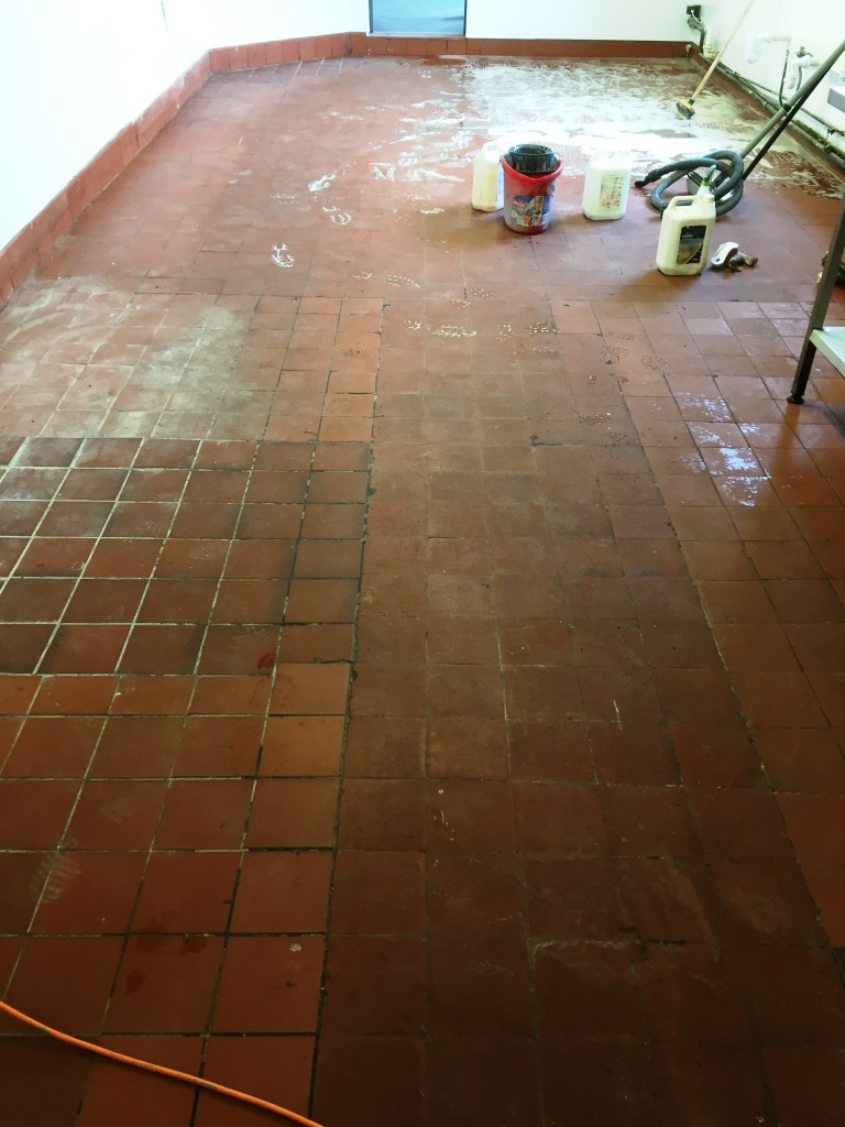 Quarry Tiles Cleaned And Sealed At A Pub In Yeovil Somerset Tile Cleaners Tile