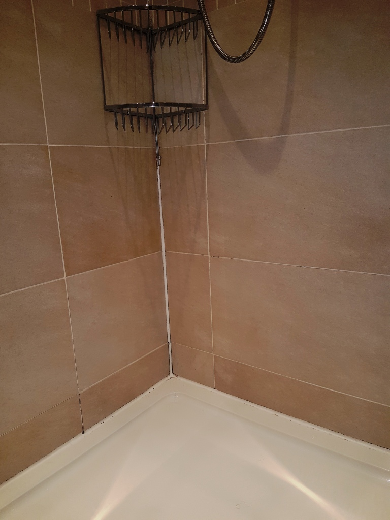 Cleaning A Ceramic Tiled Shower Cubicle In Edinburgh Tile Cleaners