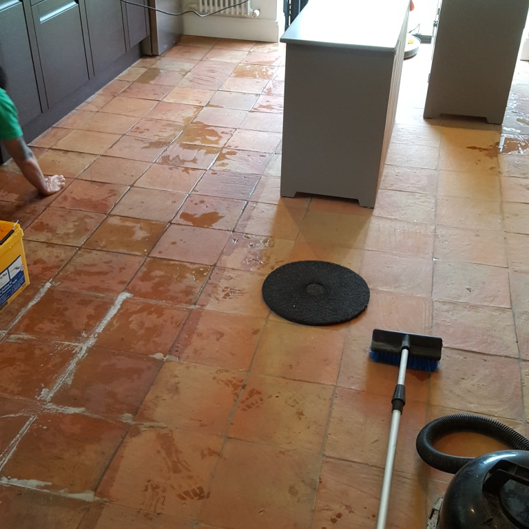 Cleaning a 90m2 Spanish Terracotta Tiled Kitchen Floor in Alderley ...