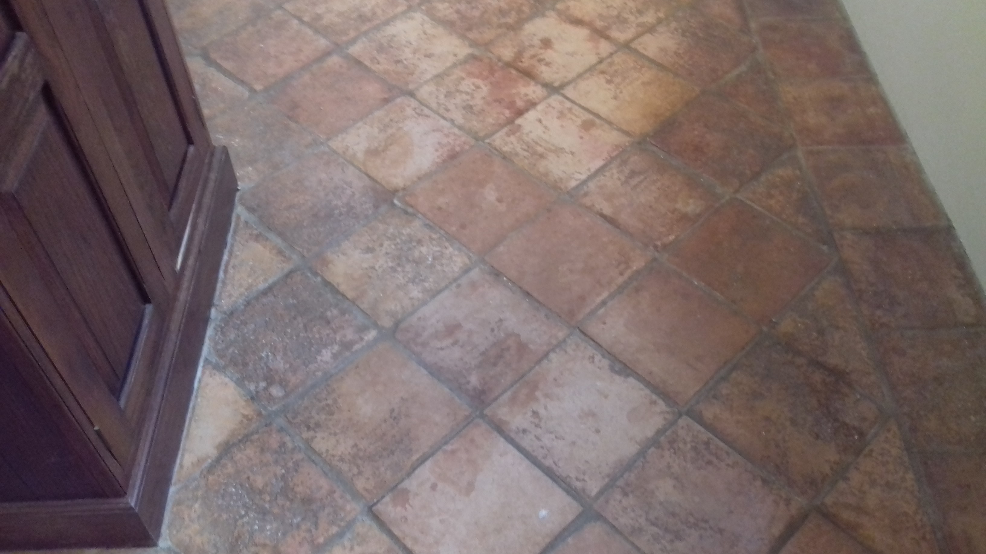 1970 S Terracotta Tiles Restored At A Cottage Near Ashford Tile Cleaners Tile Cleaning
