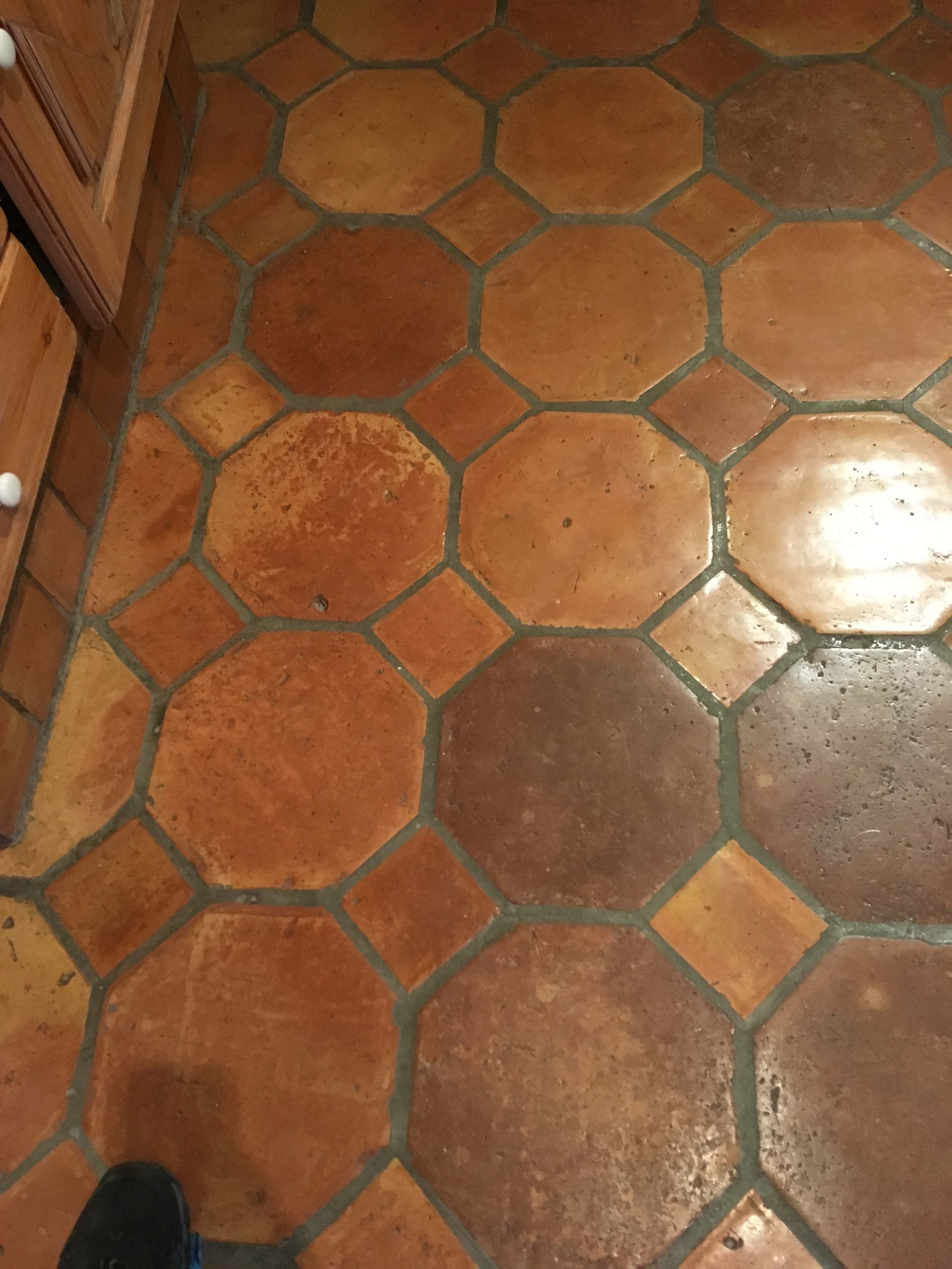 Renovating Varnished Terracotta Tiles In Teddington Tile