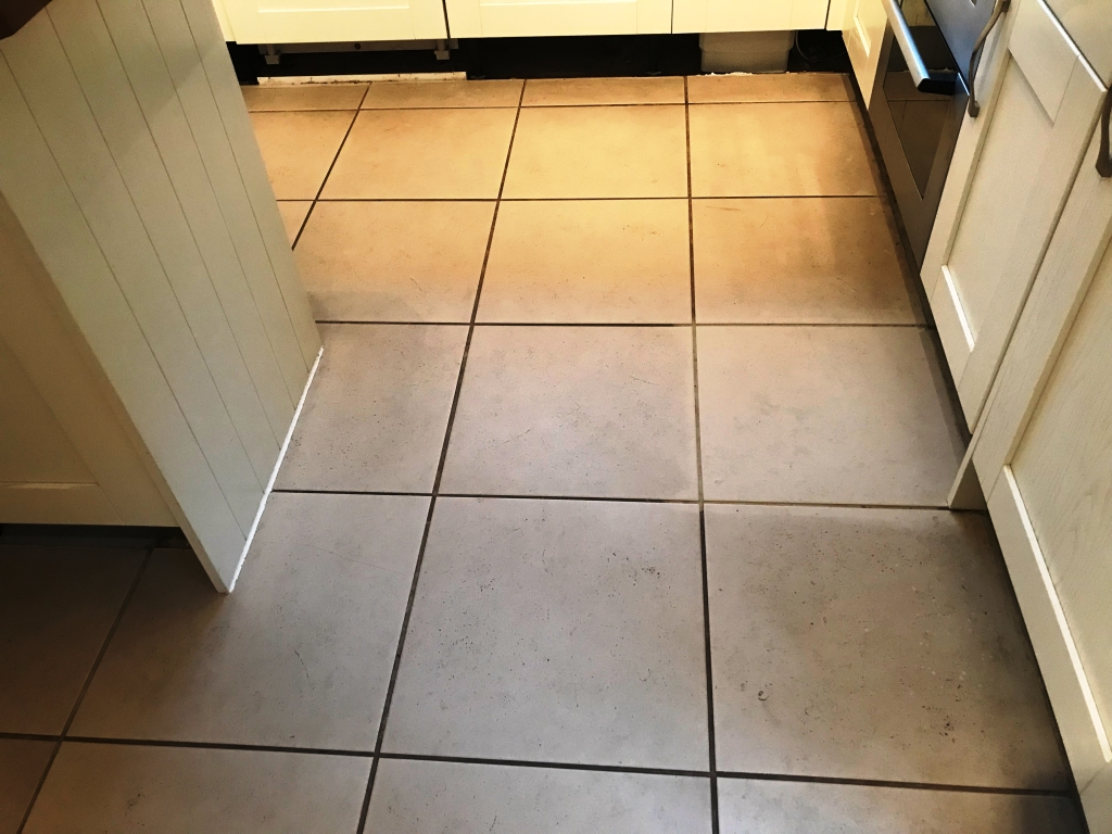 renovating porcelain tile and grout in a binfield kitchen